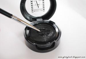 Atelier-cake-eyeliner+Sigma